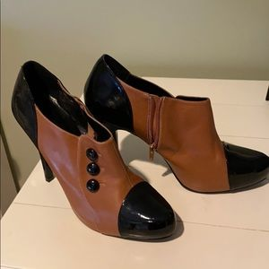 Steve Madden Shoes - Two Tone 1/2 boots